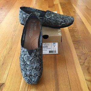 Toms Womens Classic Black Silver Paisley Size 7